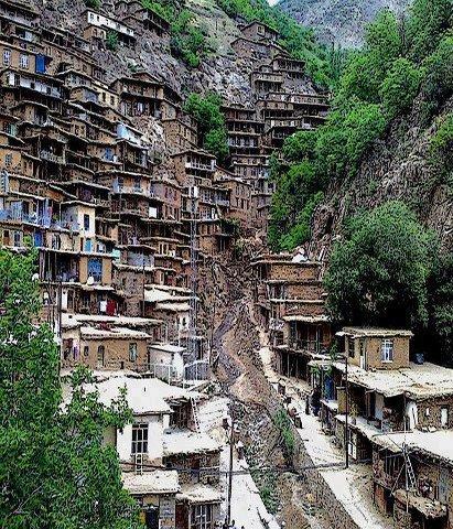 روستای زیبای تنگیسر بین سنندج و کامیاران