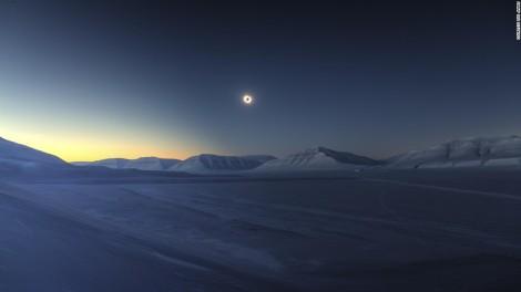 150921104312-01-astronomy-skyscrapes-eclipse-super-169